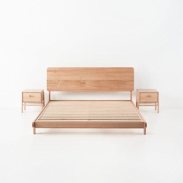 andie bed tas oak with two bedside tables